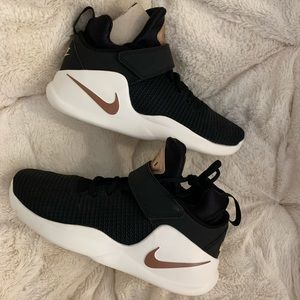 Brand new women's basketball shoes
